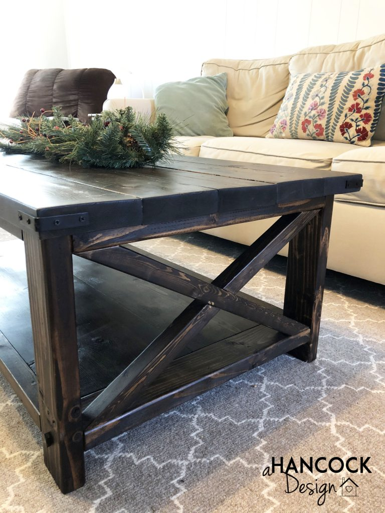 Coffee table corner detail